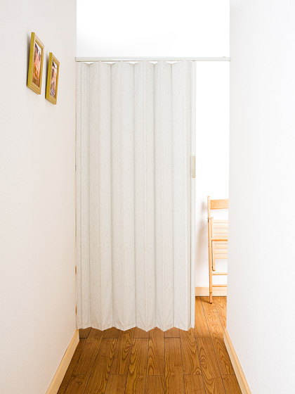 廊下の目隠し