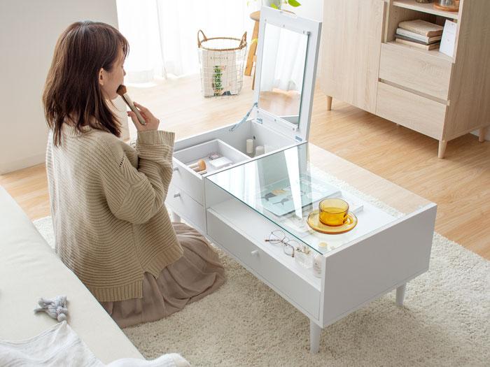 スペースを賢く使えるドレッサーとテーブルの1台2役デザイン