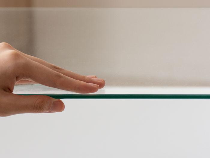 安全性の高い5mm厚の強化ガラスを使用