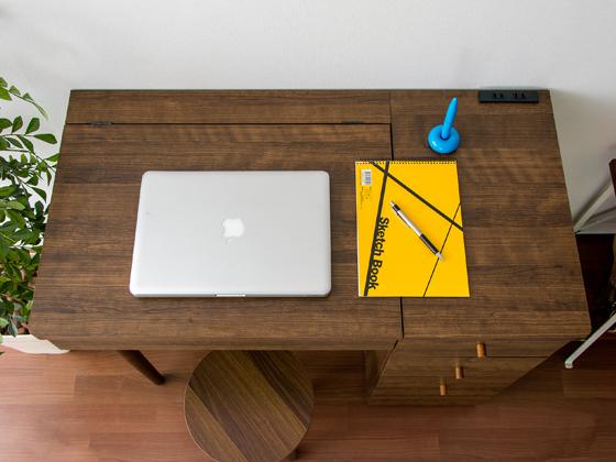 作業台やデスクとして使えるスペースを確保