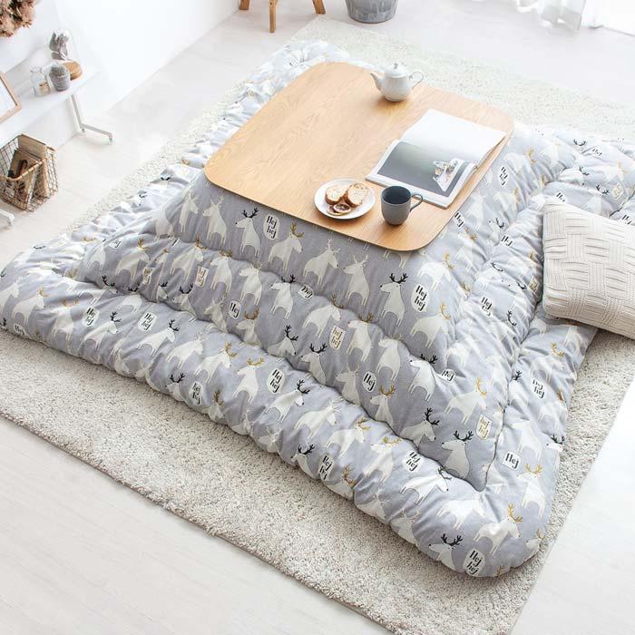 厚掛けこたつ布団 PAWN〔ポーン〕205×205cm 正方形タイプ グレー ※こたつ掛け布団のみ単体販売となっております。こたつ本体は付いておりません。